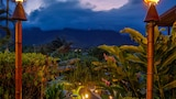 Choose This Romantic Hotel in Kaneohe -  - Online Room Reservations
