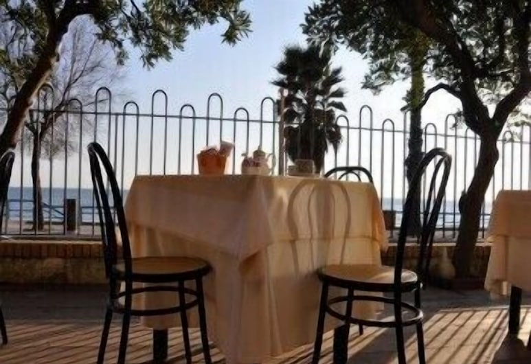 Hotel San Carlo, Terracina, Outdoor Dining