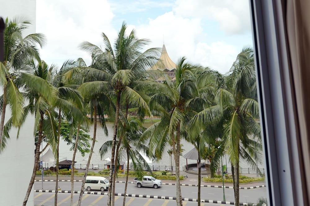 Deluxe Δίκλινο Δωμάτιο (Double) - Θέα από το μπαλκόνι