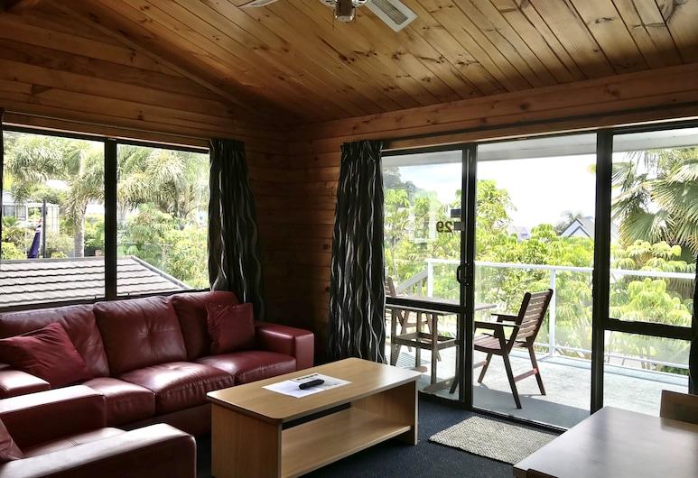 Bounty Motel, Paihia, Comfort Apartment, 2 Bedrooms, Garden View, Garden Area, Living Room
