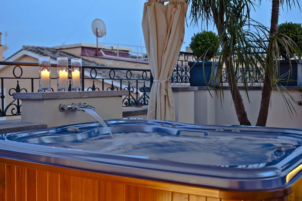 Jacuzzi Suite View - Jetted Tub