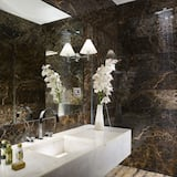 Suite (First) - Bathroom