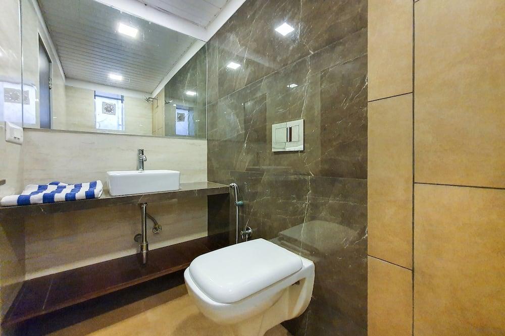 Luxury Room - Bathroom