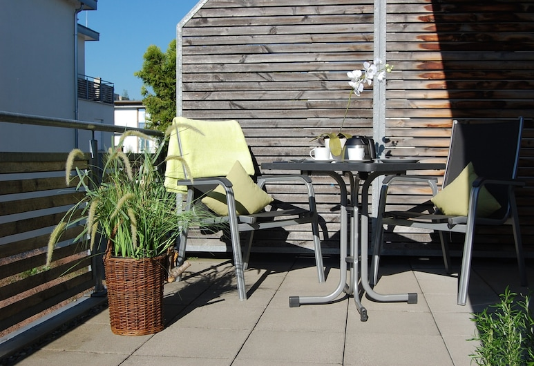 Boardinghouse HOME – adults only – SELF CHECK IN & SELF CHECK OUT, Konstanz, Lägenhetssvit, Balkong