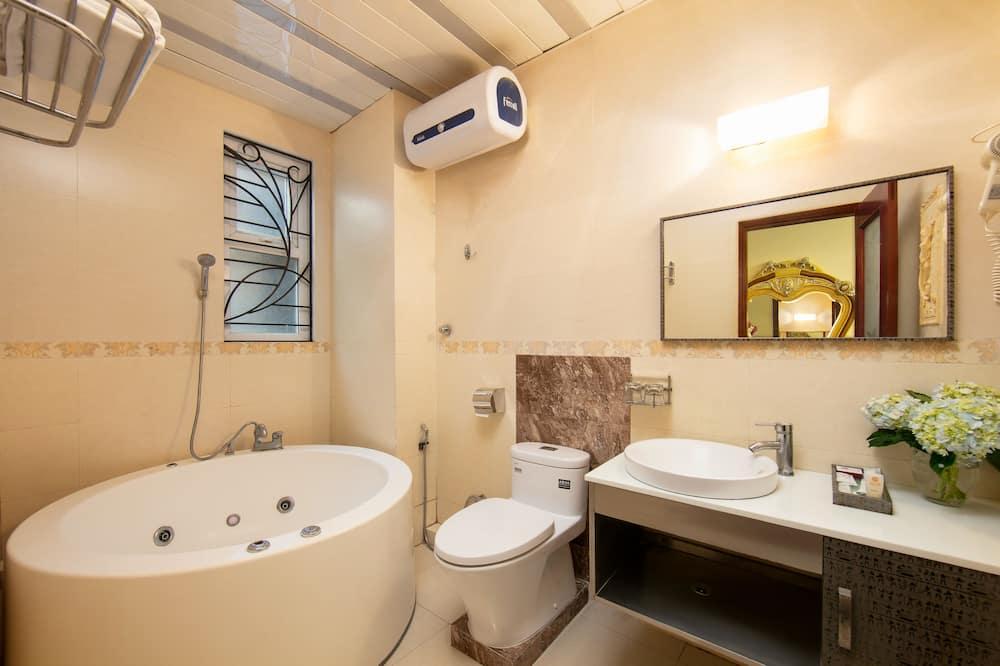 Family Triple Room, 1 Bedroom - Bathroom