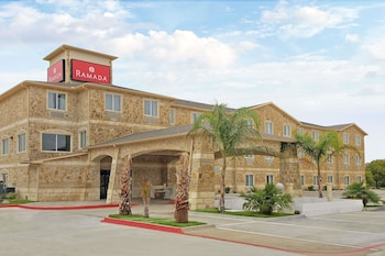 Picture of Ramada by Wyndham South Waco in Waco