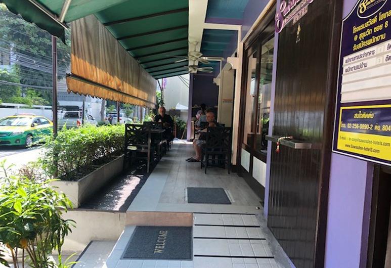 サワディー ホテル @ スクンビット ソイ 8, バンコク, テラス / パティオ