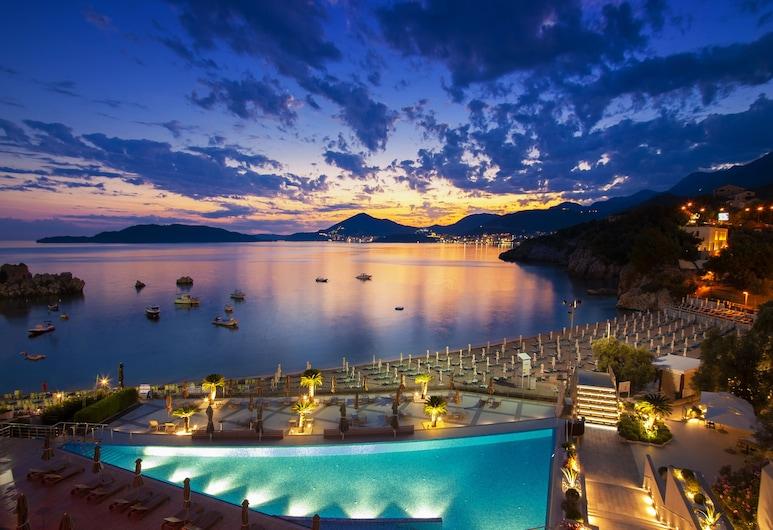 Maestral Resort & Casino, Pržno, Hotel Front – Evening/Night