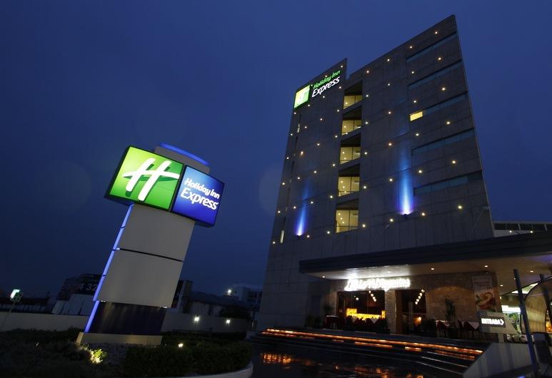 Holiday Inn Express Toluca Galerias Metepec, Toluca, Exteriér