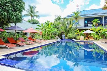 Hoteller med pool i Karon