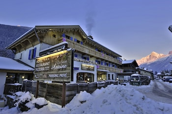 Picture of Hotel Restaurant Le Saint Antoine in Les Houches