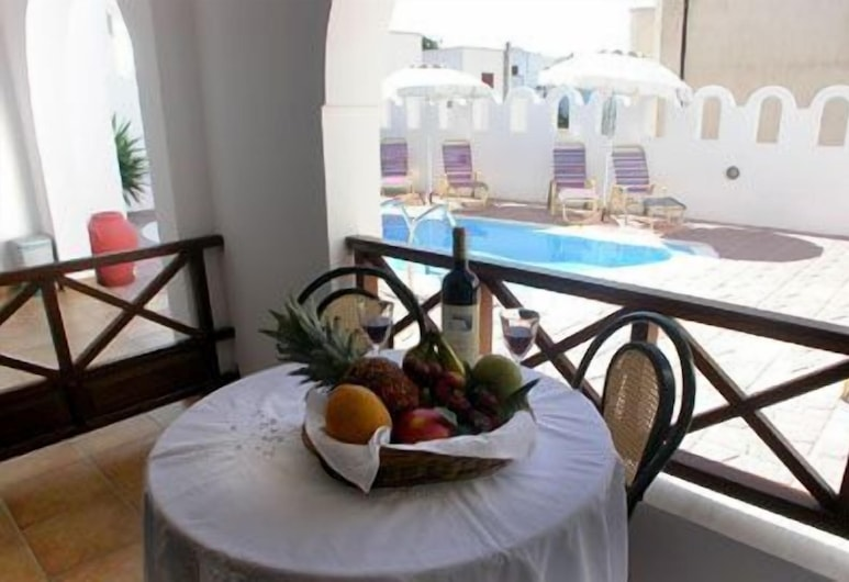 Pension Stella, Santorini, Quadruple Room, Balcony