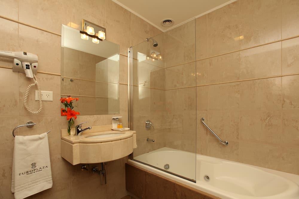 Класичний тримісний номер - Ванна кімната