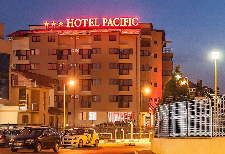 Pacific Hotel, Constanta, Front of property - evening