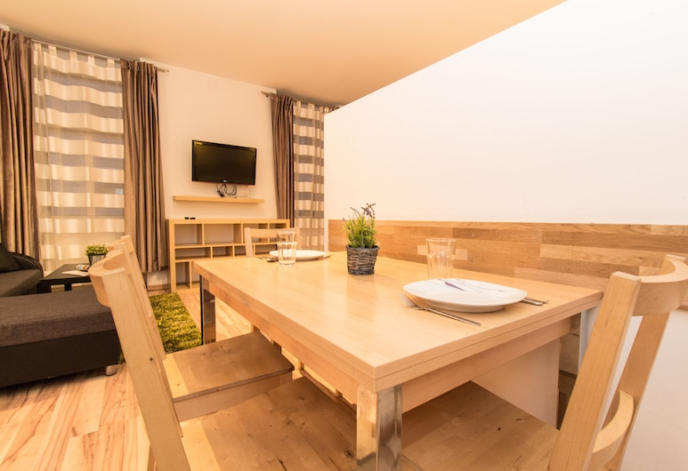 checkVIENNA – Mandlgasse, Vienna, Standard Apartment, Living Room