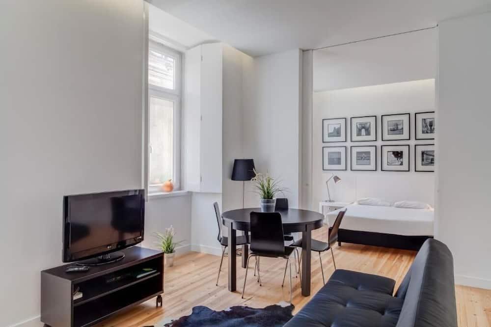 Dzīvokļnumurs ar papildu ērtībām, divas guļamistabas - Dzīvojamā istaba