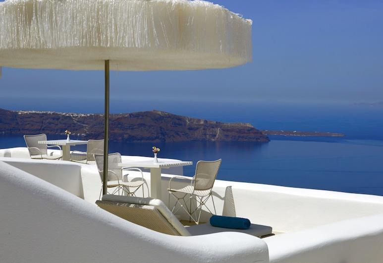 White Santorini  , Santorini, Deluxe Suite, Hot Tub, Caldera View, Higher level, Private terrace (Not secluded), Balcony