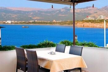 Antalya bölgesindeki Özmen Pension resmi
