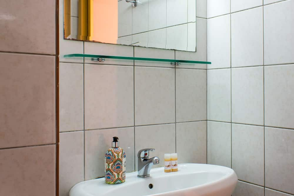 传统开放式客房 - Ванная комната