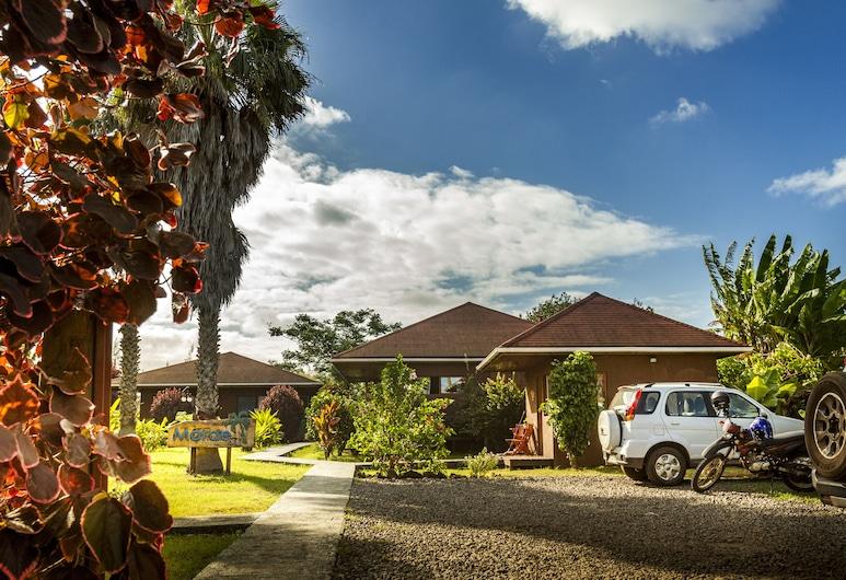 Marae Premium Cabins, Hanga Roa, Front of property