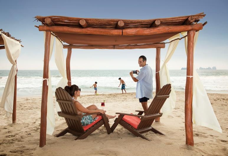 Sunscape Dorado Pacifico Ixtapa Resort & Spa, Ixtapa, Beach