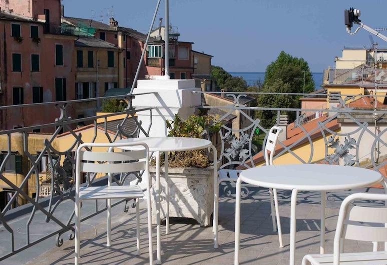 歐羅巴飯店, 萊萬托
