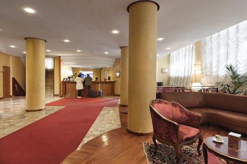 巴黎酒店/