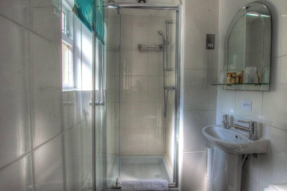 Basic kahetuba, omaette tualettruumiga - Vannituba