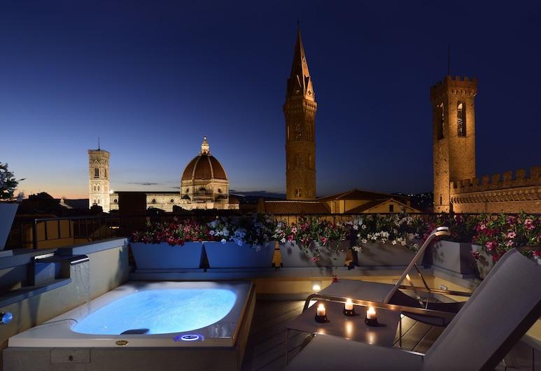 San Firenze Suites & Spa, Florenz, Presidential-Penthouse, 2Schlafzimmer, Terrasse, Turm, Terrasse/Patio
