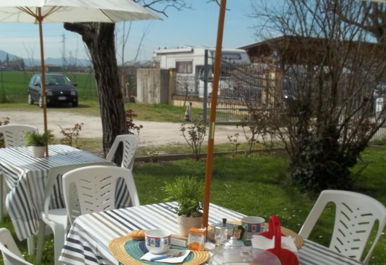 A Casa Vittoria Bed & Breakfast, Bologna, Ristorazione all'aperto