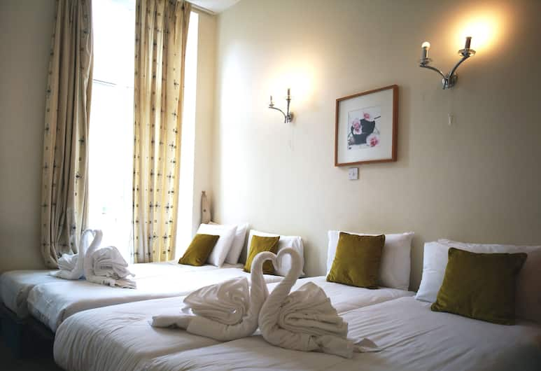 St. Joseph Hotel, London, Standard Triple Room (with sofa bed), Guest Room