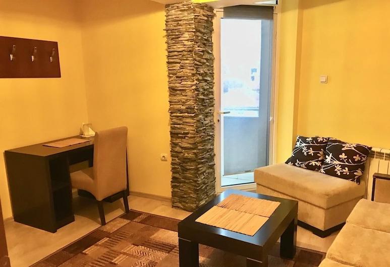Hotel Alpha, Blagoevgrad, Standaard suite, Woonkamer