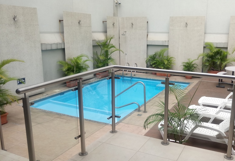 에이치엠 인터내셔널 호텔, 과야킬, 야외 수영장