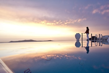 Foto di Homeric Poems a Santorini