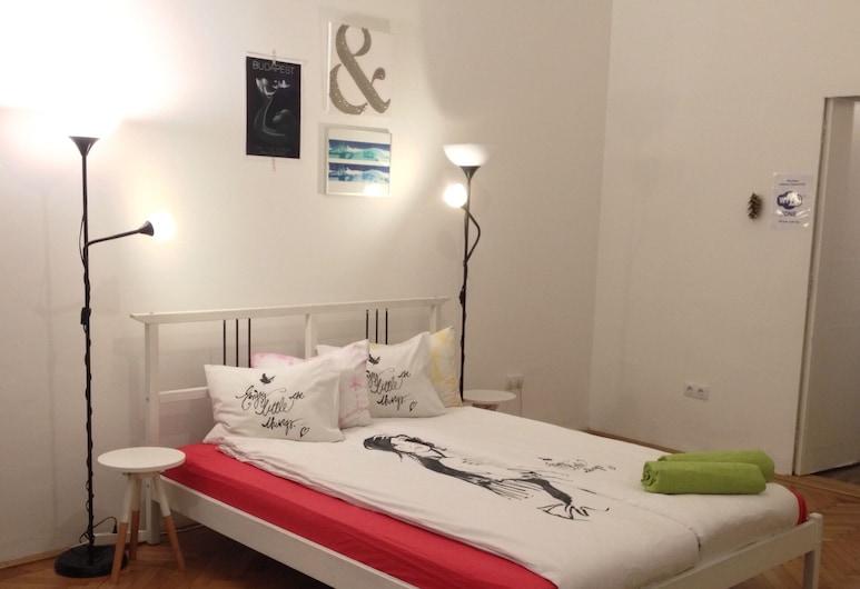 Gaia Hostel, Budapest, Dobbelt- eller tomannsrom – deluxe, privat bad, Gjesterom