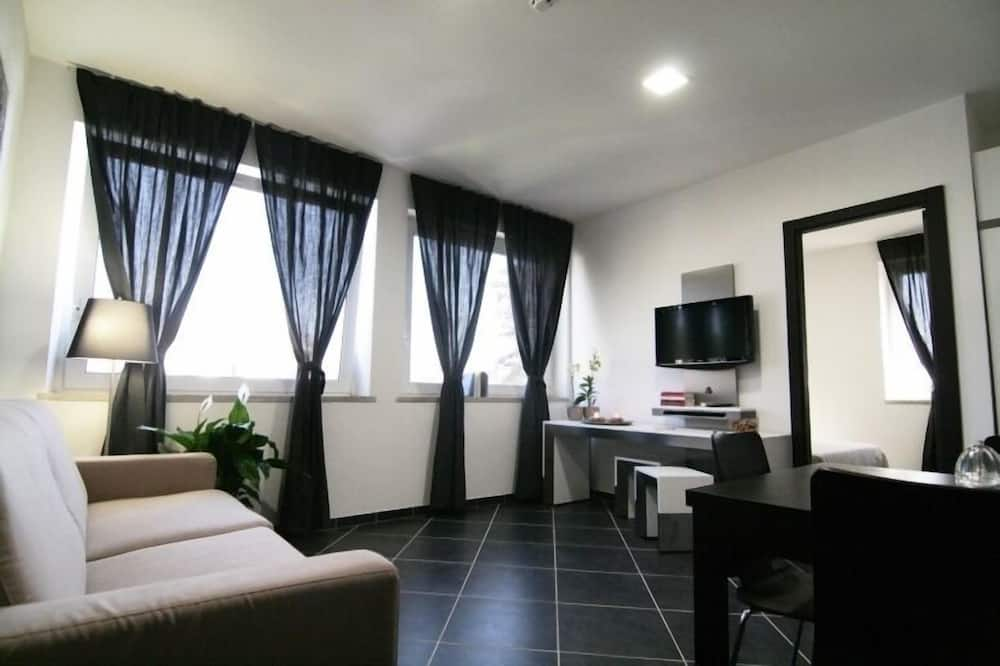 Superior Apartment, 1 Bedroom, Courtyard View - Living Area