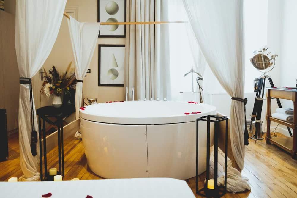 ジュニア スイート - 専用スパ用浴槽