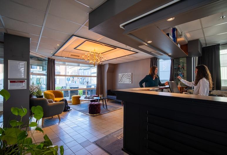 Enter Amalie Hotel, Tromsø, Rezeption
