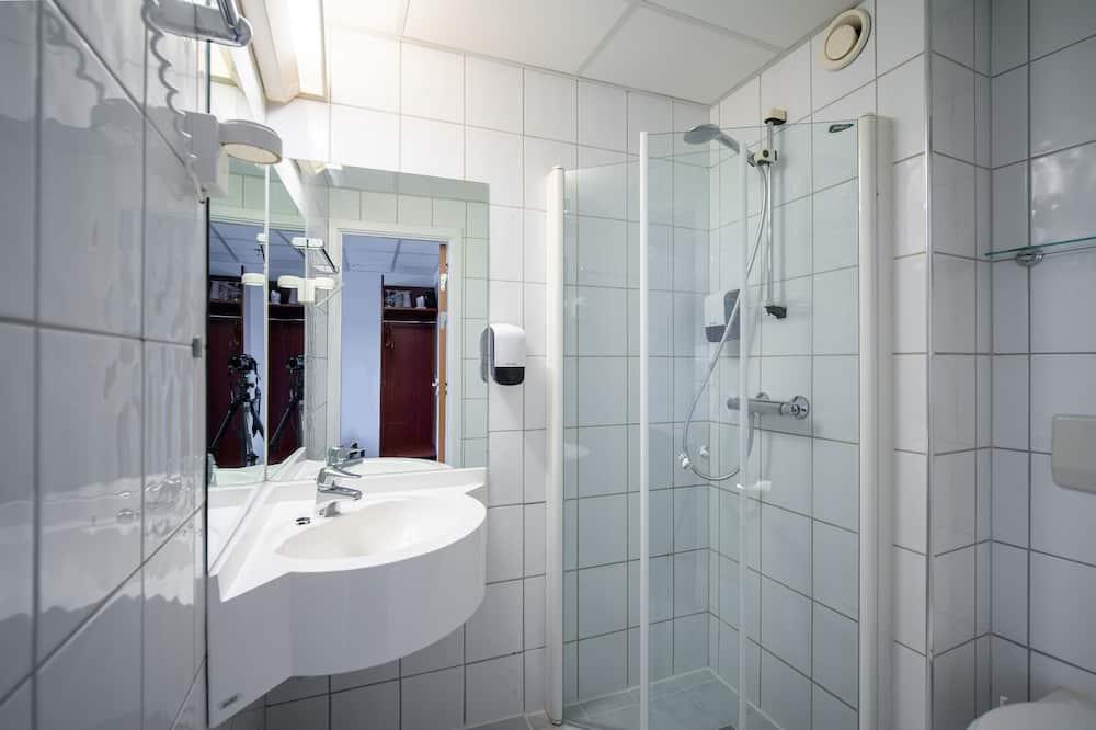 Quarto Duplo ou Twin Básico - Casa de banho