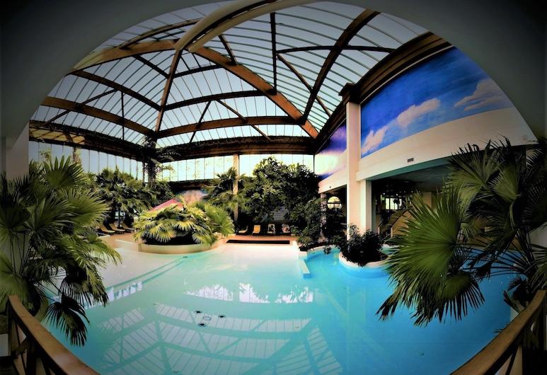 拉哈特皇宮酒店, 阿拉木圖, 泳池