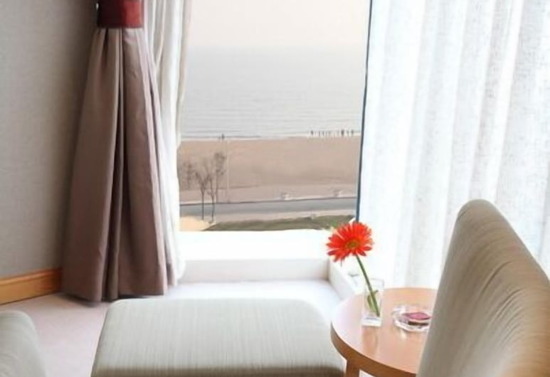 Grand Hotel Qinhuang, Qinhuangdao, Habitación Deluxe, vista al mar, Sala de estar
