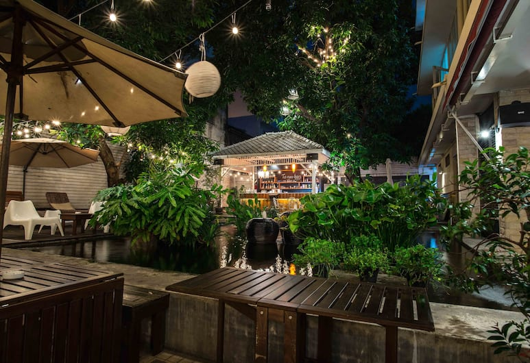フン ナコーン バルコニー ルーム アンド カフェ, バンコク, ホテル バー