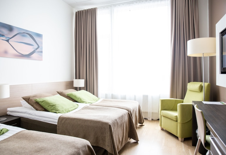 Norlandia Care Tampere Hotel, Tampere, Basic Triple Room, Guest Room
