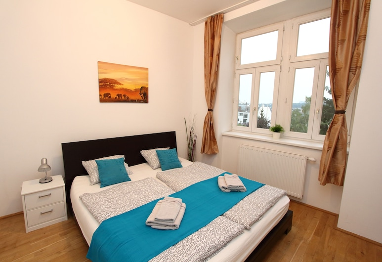 Hotel & Apartments Klimt, Vienna, Apartment for 7 people, 2 Bedrooms, Kitchen, Guest Room