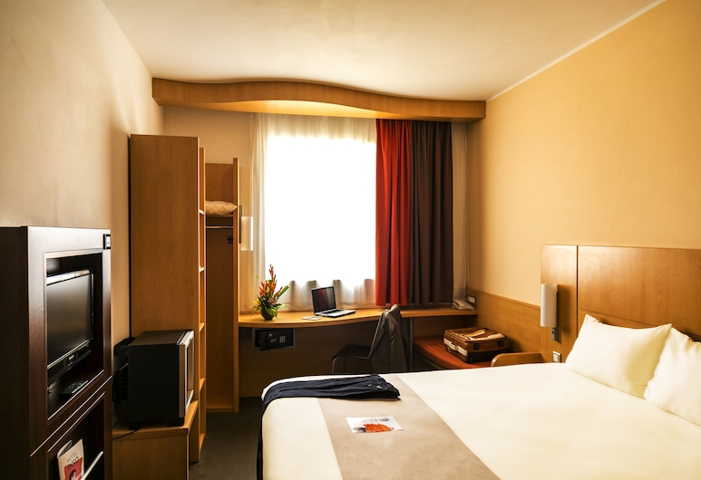 ibis Malabo, Malabo, Standard Double Room, 1 Double Bed, Guest Room
