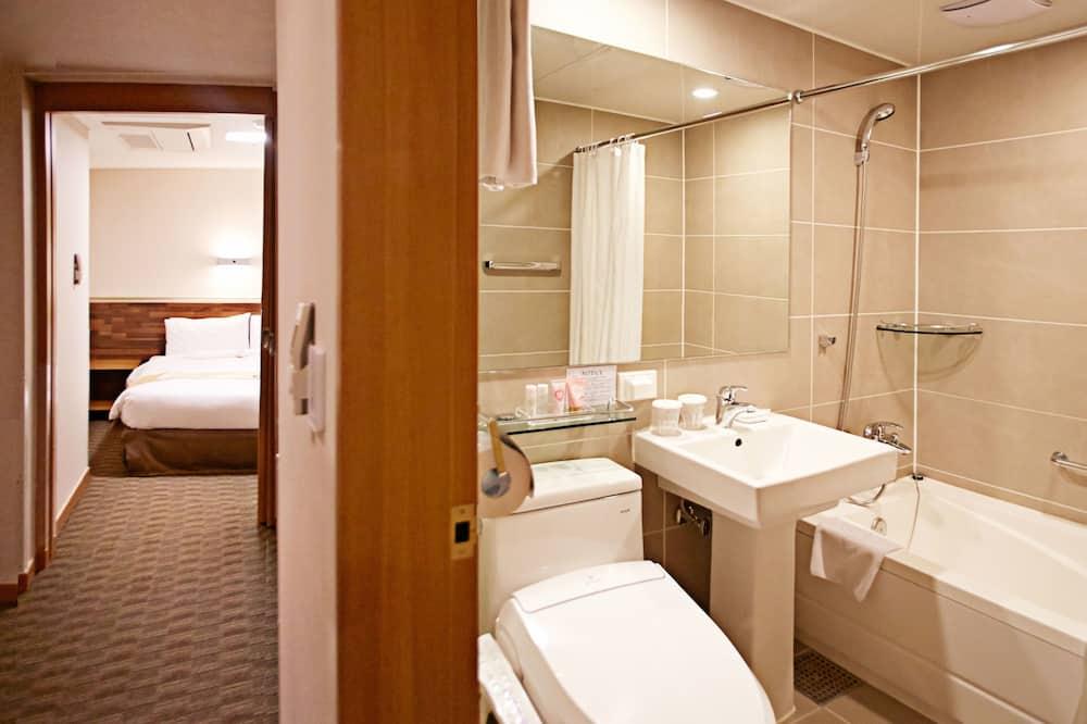 標準雙床房, 無窗戶 - 浴室