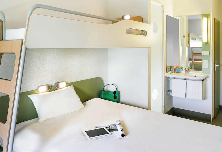 ibis budget Antwerpen Port, Antwerp, Double Room, Multiple Beds, Guest Room