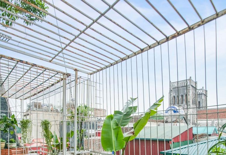 Splendid Holiday Hotel, Hanói, Habitación Senior, 1 cama King size, vista a la ciudad, Terraza o patio