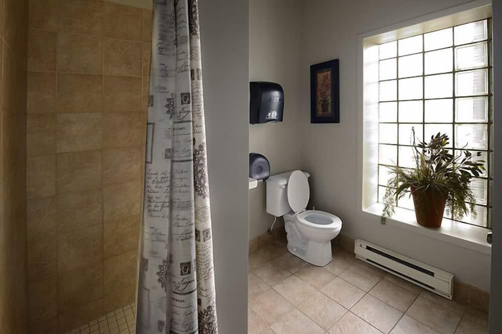 Pokoj Classic s dvojlůžkem, společná koupelna - Koupelna
