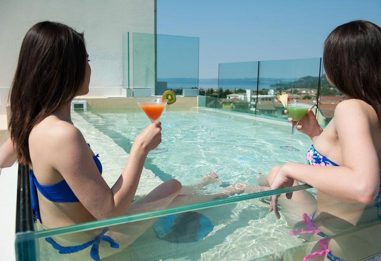 Hotel Italia, Garda, Kültéri medence